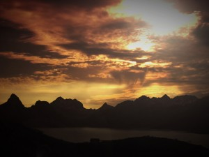Sunset_Mountains_Worship_Background
